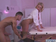 Hardcore Lovemaking Tape Between Sexy Doctor And Slut Horny Patient (Leigh Darby) mov-24