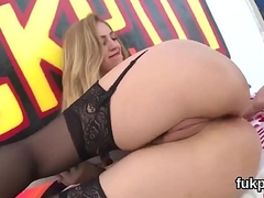 Breathtaking sex kitten shows big fanny and gets anal banged