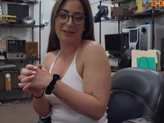 Woman with glasses screwed by nobody dude elbow the pawnshop