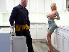 Nikki Benz Gets Her Pipes Fixed - Bangbros HD
