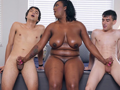 Lowering Milf Layton Benton gives a double handjob to Jordi El Nino Polla and Ricky Spanish -2