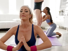 Downward Doggy Style with Brett Rossi and Kira Noir - Reality Kings HD