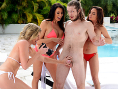 Possessions Milf Handled -  Cory Chase & Diamond Foxxx In the porn scene