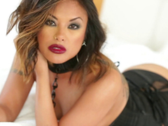 Gorgeous Kaylani Lei uses both forearms coupled with her mouth all over get a man off