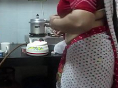 ▶ Leena Bhabhi Hot Omphalos Housewife 1