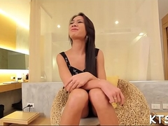 Gaping ass of a ladyboy in action